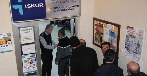 İŞKUR'a kayıtlı her dört işsizden biri beyaz yakalı
