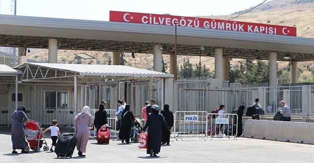 Bayramlaşmak için 53 bin 798 Suriyeli ülkesine gitti