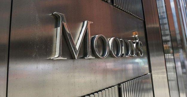 Moody's Birleşik Krallık'ın kredi notunu düşürdü