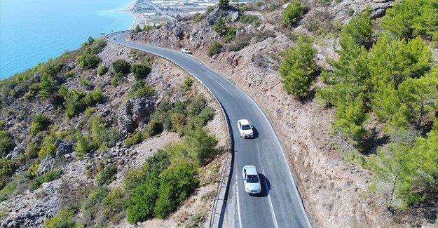 'Turizm cennetleri'ni bağlayacak yolda hummalı çalışma