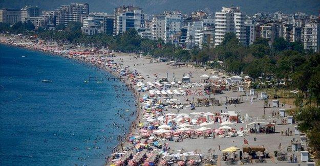 '1,5 milyon Ukraynalı turistten 700 bini Antalya'yı tercih ediyor'