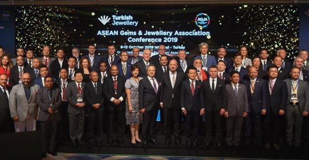 Dünya mücevher pazarının yöneticileri İstanbul'da buluştu