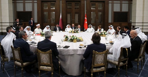 Bakan Pekcan'dan Katarlı yatırımcılara Türkiye'ye daha fazla yatırım daveti