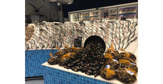 CarrefourSA deniz mahsulü çeşitliliğine kara midyeyi de ekledi