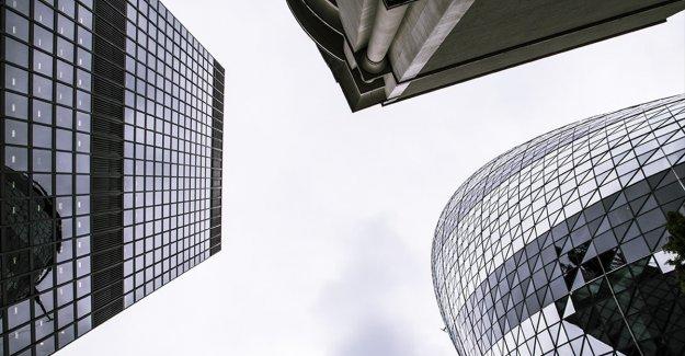 Londra dünyanın en büyük finans merkezi olmayı sürdürme iddiasında