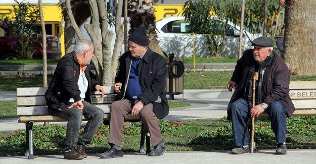Türkiye'de yaşlı nüfus 5 yılda yüzde 21,9 arttı