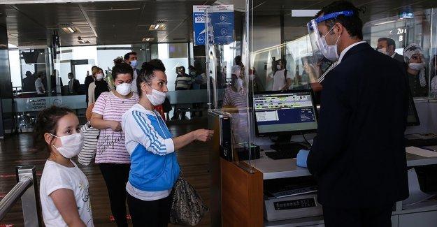 Hava yoluyla 15 günde 1 milyon yolcu taşındı