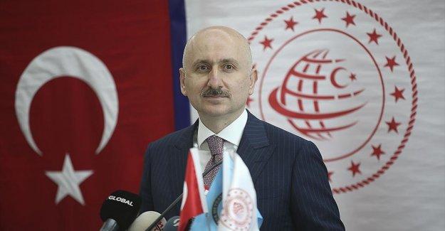 Ulaştırma ve Altyapı Bakanı Karaismailoğlu: Yusufeli Barajı'na ulaşım 39 tünelle sağlanacak