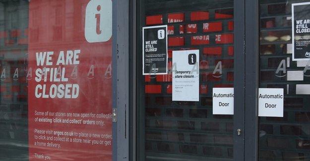 İngiltere'de salgının etkilerine dayanamayan mağazalar kepenk kapatıyor