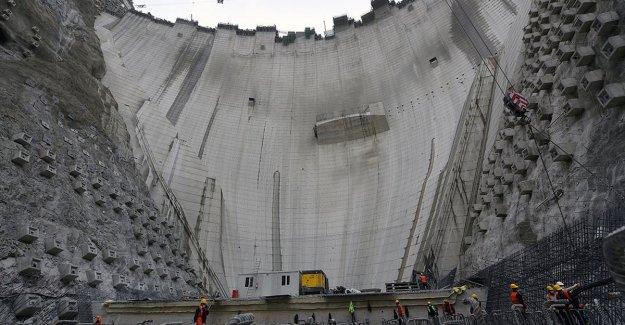 Yusufeli Barajı'nın gövde yüksekliğinde 244 metreye ulaşıldı