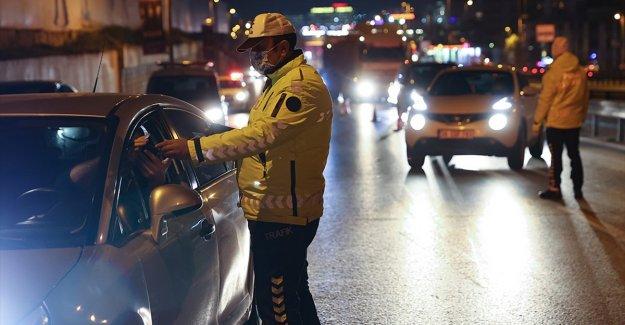 Sokağa çıkma kısıtlamasını ihlal ve maske takmama cezaları yeniden yapılandırılamıyor