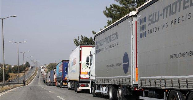 Kapıkule 2020'de 700 bin tırlık trafiği karşıladı