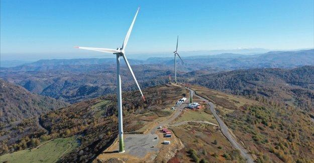 Türkiye'de geçen yıl yenilenebilir enerjiye yaklaşık 7 milyar dolar yatırım yapıldı