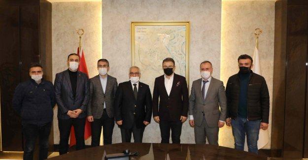 İstanbul Esnaf Odaları Birliği ve İstanbul Bakkallar Odası'ndan Deniz Köken'e teşekkür ziyareti