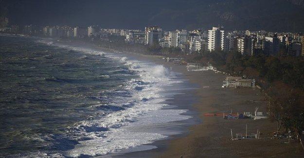 Orta Karadeniz'de yarın kuvvetli fırtına bekleniyor