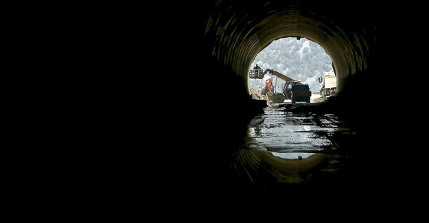 Antalya-Konya arasındaki Demirkapı Tüneli'nin 2022 sonunda hizmete girmesi hedefleniyor