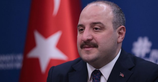 Bakan Varank, Türkiye'nin 'uluslararası yazılım okulu 42'ye katıldığını duyurdu