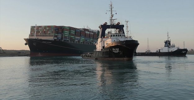 Uluslararası veriler Süveyş Kanalı'nda gemi geçişlerinin normal seyrettiğini teyit etti