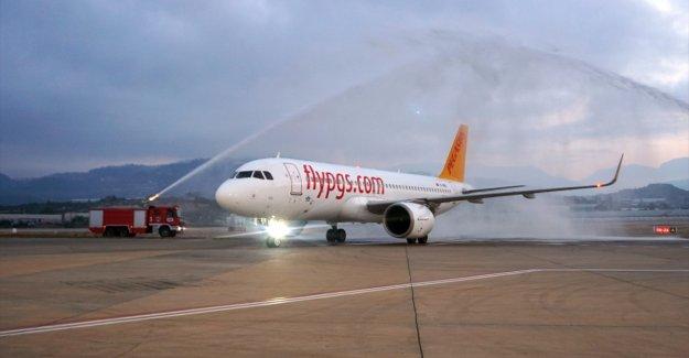 Gazipaşa-Alanya Havalimanı, Pegasus'un Kiev'den gelen ilk uçuşunu karşıladı
