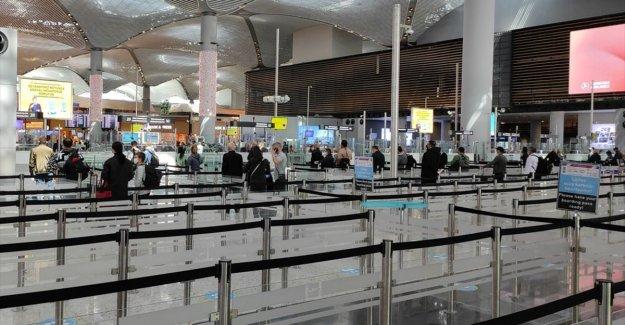 İstanbul'daki havalimanlarını bir günde 135 binden fazla yolcu kullandı