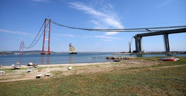 Çanakkale Boğazı, köprü çalışmaları nedeniyle transit gemi geçişlerine tek yönlü kapatıldı