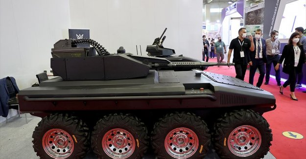 IDEF'te yerli elektrikli insansız kara aracı Alkar R8 görücüye çıktı