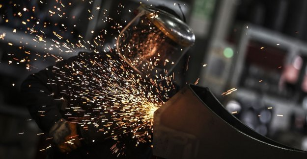 Sanayi üretimi aylık bazda yüzde 2,3, yıllık bazda yüzde 23,9 yükseldi