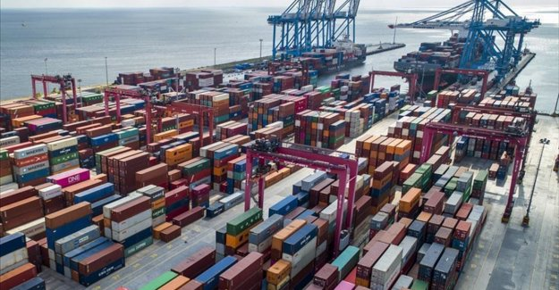 Türkiye'de 2020'de ihracatın yüzde 42,8'ini büyük ölçekli girişimler yaptı