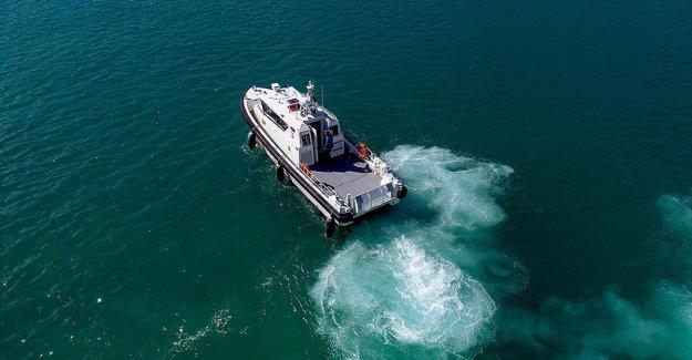 Türk kıyılarının 'yeni muhafızı'nın performansı AA ekibince görüntülendi